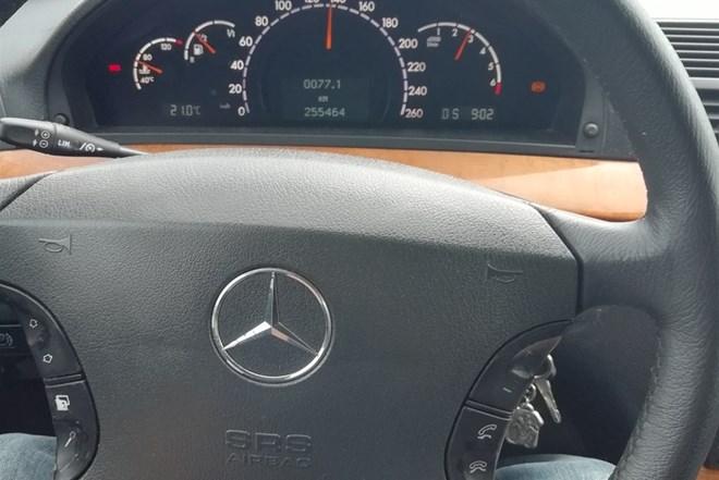 Mercedes-Benz S klasa 320 LPG NOVA RRGISTRACIJA NOVI PLIN ATEST I GATANCIJA FUUL ISPRAVNA OPREMA. JAKO JEFTINA VOZNJA. MALA KILOMETRAZA ISPIS 255000km