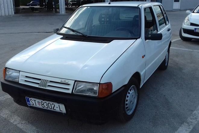 Fiat Uno 1.0  2001 g. Reg. God. Dana