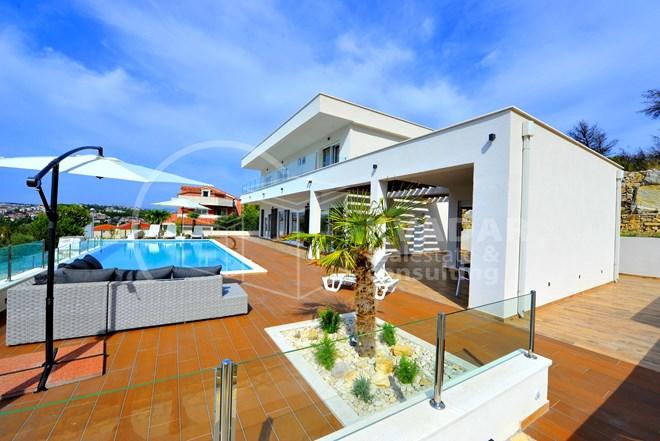 Podstrana- luksuzna nova vila sa bazenom