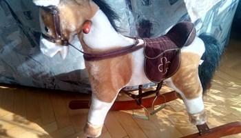 Konjić za ljuljanje