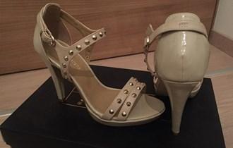 NOVE ženske cipele (sandale na petu) br.39