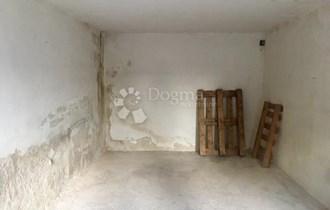Plumbum, garaža 18 m²