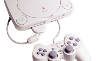 Sony playstation 1,orginalni joystick,memorijska kartica,2 igrice