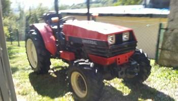 Traktor univerzal voćar