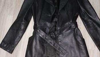 Crni kožni kaput