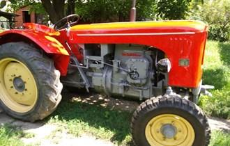 Traktor Schluter   Kupim Moze Defekt  Rastavljen bez Motor mjenjac