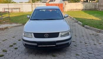 VW Passat 1.9 TDI DIJELOVI