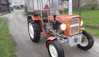Traktor Ursus