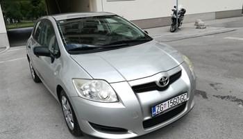 Toyota Auris 2.0 d4d diesel, reg. 11/2020, kuka
