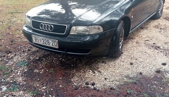 Audi A4 1.8 ben/plin