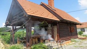Doček nove u drvenoj kućici