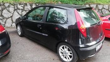 Fiat Punto 1,2 sporting + još 1 za dijelove
