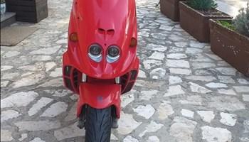 Malaguti phantom 100 cm³ ...11kw....2t....Registriran god. dana