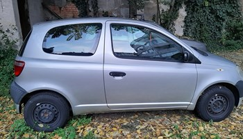 Toyota Yaris 1.0, 2002. god.