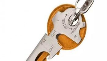 Multifunkcionalni privjesak za kljuc 8 u 1