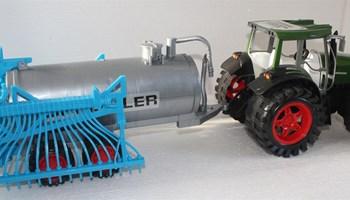 Traktor s cisternom SUPER POWER !!! Extra VELIKO- 80 cm!! AKCIJAA!!
