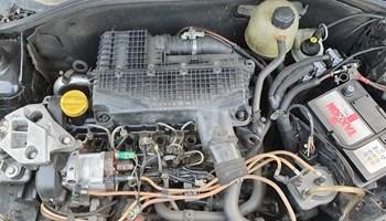 Renault clio 2  motor 1,5 dci 48kw i ostali mehanički djelovi