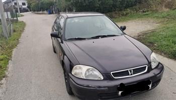 Honda Civic 1.5 vtec odjavljen