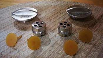 2 originalna ventila sa cepovima u kompletu sa 4 gumice za gumenjake