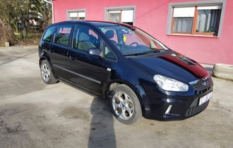 Ford C-Max 2010.