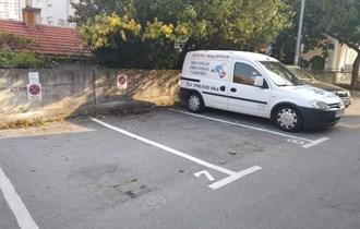 Iznajmljujem vanjsko parkirno mjesto u ul.Dugoselska 12
