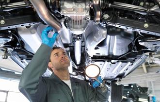 Automehaničar teretnog programa