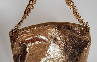 Zlatna torbica s lancem