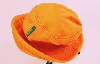 BENETTON šeširić