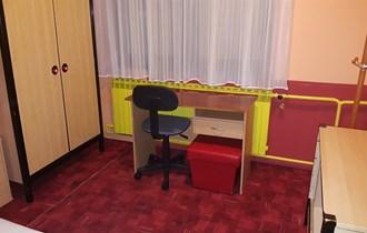 Soba, Koprivnica, blizina centra, wi-fi free 40mbit/s, namještena, poseban ulaz