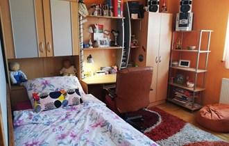 Mladenačka soba