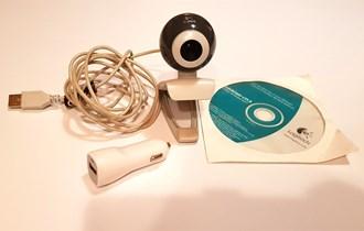 Logitech web camera + GRATIS auto adapter za punjenje mobitela itd.