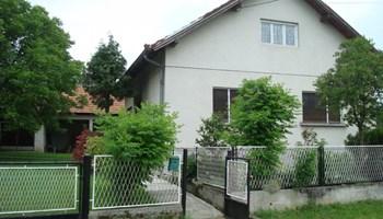 Kuća sa velikom okućnicom, Zlatar-Bistrica, Lovrečan