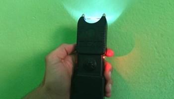 Snažni Elektro šoker za samoobranu (teaser, stunt gun,electro shocker)