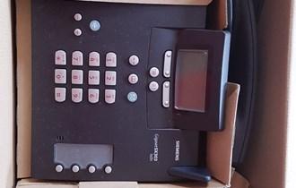 Fiksni telefon prikladan za urede