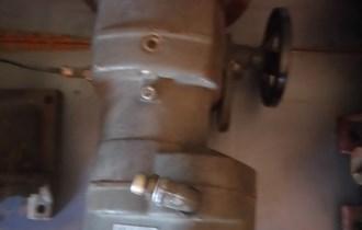 Elektormotor s reduktorom i varijatorom