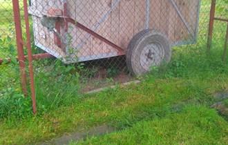 Laka prikolica za traktor