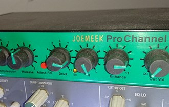 JoeMeek ProChannel VC3 Gold mic preamp