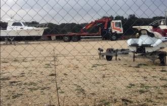 Kamion sa fassi dizalicom