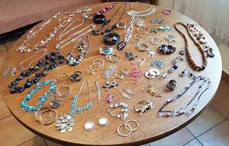 Veliki lot antialergijskog nakita