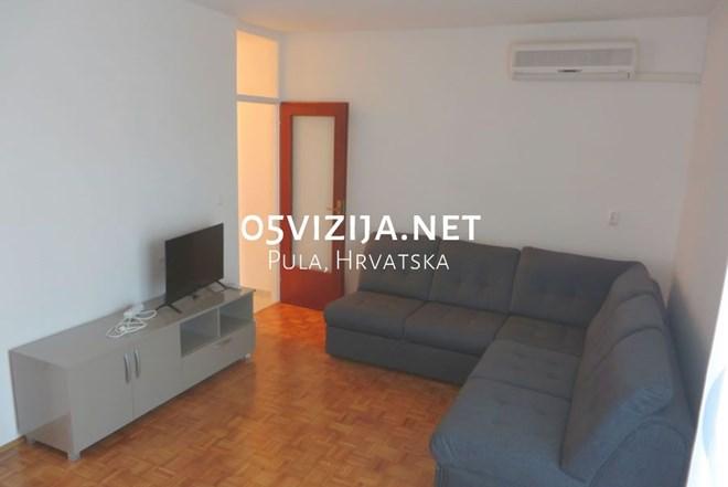Odličan novouređen namješten stan na Vidikovcu, Pula