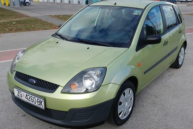 Ford Fiesta 1.25 Kupljen novi u Hr Klima 5 vrata 2.450,00