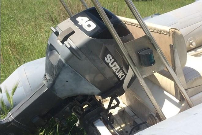 Gumenjak Lomac 440, prikolica Siop LP750, motor suzuki 40ks 2T