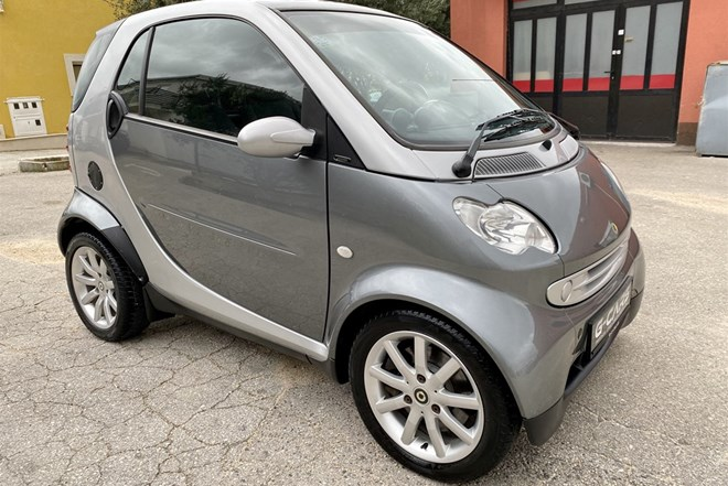 "Smart ForTwo Coupe 800 CDI —DIESEL—Model 2007.g.—FULL AUTOMATIK—REG.04/2020.g.—PASSION OPREMA—PANORAMA—KLIMA—GRIJANJE SJEDALA—ALU 15""—FULL—TOP STANJE!!!—SAMO: 2.499€!!!"