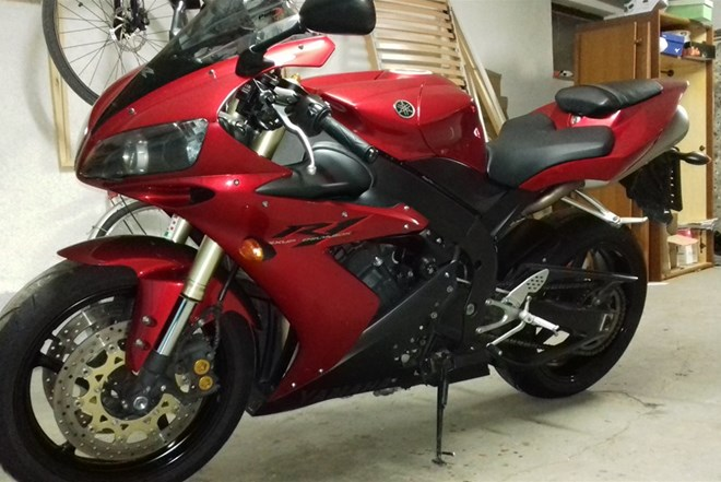 Yamaha yzf r1 998 cm3, 2004 god