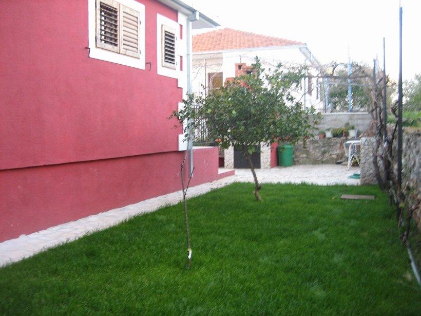 Kuća Okrug Okrug Gornji zamjena za skuplju u okolici