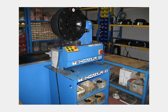Komplet strojeva i alata za proizvodnju fleksibilnih hidrauličkih cijevi