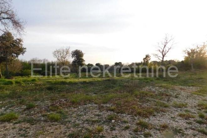 Šijana - poljoprivredni teren 14.235 m2