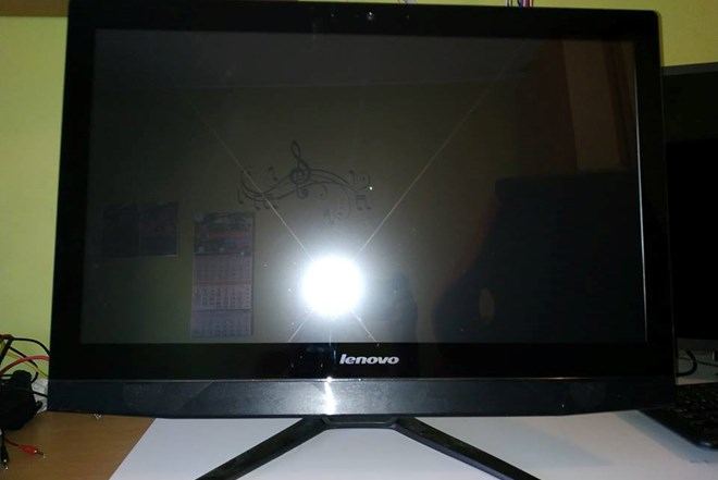 "24"" Lenovo reThink touch screen AIO B50-30 i5-4460T/8GB"