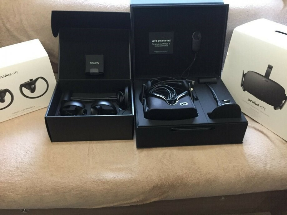 VR Oculus Rift + 2 Touch Kontrolera s 2 Senzora + Mamut