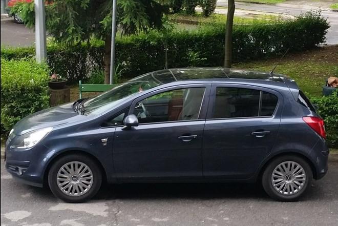 Opel Corsa 1.2 16 v -PLIN
